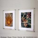Bâti acrylique clair d'étalage/cas d'exposition acrylique fixé au mur