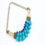 Collier acrylique de bijou de mode de talons de son bleu neuf de modèle