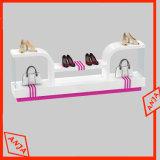 El estante de visualización de madera del zapato calza el soporte de visualización
