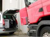 Intelligentes Hilfen-Auto aus der Hho Kohlenstoff-Maschine heraus