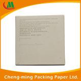 Rectángulo de papel negro de la alta calidad con el punto de encargo de la insignia ULTRAVIOLETA para la fabricación del regalo