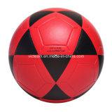 لطيفة ينظر حمراء وأسود متحمّلة يصمّم كرة قدم