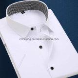 Trois hommes de couleur court- la chemise de chemise