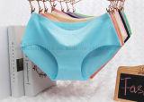 Ropa interior respirable de Panty de la ropa interior de las mujeres del algodón atractivo de la manera del OEM