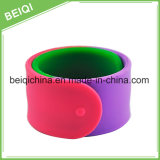 Wristband su ordinazione speciale del silicone di formato con il marchio