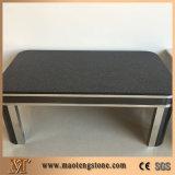 Schein-schwarzes Quadrat übersteigt Quarz-Gaststätte-Tisch