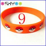 Pokemon va braccialetto mistico di istinto di prodezza del commercio all'ingrosso del braccialetto del silicone del braccialetto di marchio della squadra per il regalo di sport degli uomini e delle donne