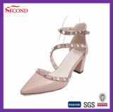 Quatre couleurs noircissent Madame Sandals de rivet