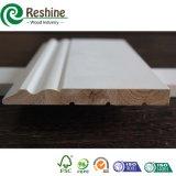 Baseboards de madera de pino de Radiata de la junta del dedo de la pintura de fondo