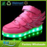 Alas de las luces que contellean de las luces del USB LED de la magia que cargan los zapatos