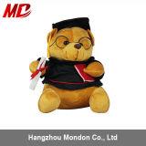 O costume múltiplo do projeto personalizou o urso uniforme da peluche da graduação
