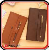 Caderno de couro da tampa com Livro Branco