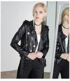 ヨーロッパおよびWomen&Primeの新しい女性はパラグラフPUの革オートバイのジャケットの革のジャケットの通り様式の女性のジャケットをショートさせる