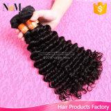 9Aペルーの深い波の巻き毛のバージンの毛の加工されていない人間の毛髪はペルーのカーリーヘアーを編む