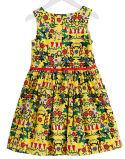 Chidlrenの摩耗の方法女の子の衣服様式