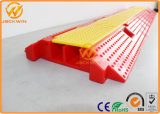 PVC 2 Channel Cable Protector Ramp de 1000*245*45mm Reflective Plastic