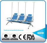 ステンレス鋼表および待っている椅子