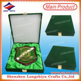 Трофей Shield Plaque Souvenir Wooden Plaque Metal Plate Wood вытравливания с Box (LZY-P004)