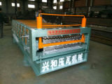 機械を形作る波形鉄板ロール