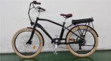 Vélo de ville avec la batterie au lithium