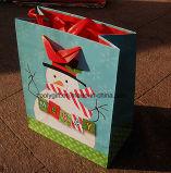 Sac de papier de cadeau promotionnel de Noël avec le traitement