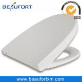 Bacia de toalete confortável do F do branco com o envoltório da forma de V sobre