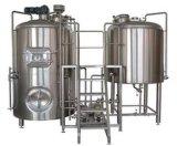 Cerveja comercial do ofício que faz a cervejaria do equipamento da fabricação de cerveja da máquina