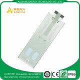 30W IP65 faciles installent le réverbère solaire pour des lumières d'aire de stationnement de DEL