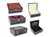 팩 포도주 나무 상자를 골라내십시오