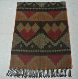 アズテック派のパターンおよびフリンジが付いているアクリルの編まれた総括的なスカーフ