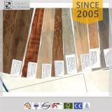 Kleber-unten trockene rückseitige Qualität geprägte Vinylplanke-Bodenbelag-Fliese