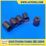 Подвергать механической обработке пробки и втулки нитрида кремния керамический