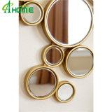 Espejo de madera de la pared del marco del encanto multi de los círculos en final del oro