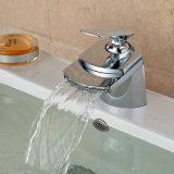 Mélangeur en laiton de bassin de salle de bains de cascade à écriture ligne par ligne de modèle neuf