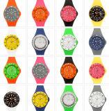 2017 Form-Silikon-Band-Gelee-Uhr für förderndes