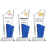 Trofeo de cristal óptico Nuevo estilo de color Premio placa de cristal con la Base Amarilla