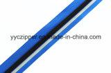 Zipper de nylon com a fita reflexiva para o revestimento ao ar livre