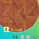 8.3mm E1 HDF AC3 HDFのWoodgrainの質のチークの防水薄板にされた床