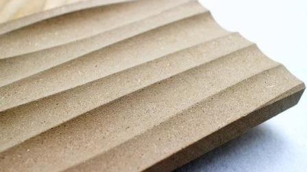 Wellige Linien des Flammschutzmittels aus schallabsorbierendem innovativem Holz Fenster