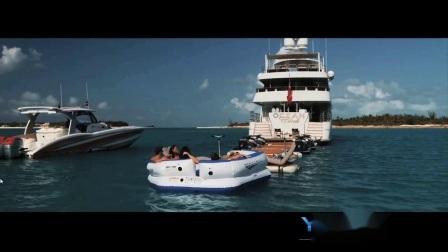 エアー式水上ボートドックでは、ヤックのレジャープラットフォームをご利用いただけます