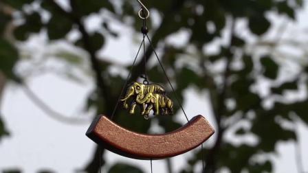 De aangepaste 3D Klokkengelui van de Wind van de Buis van het Decor van de Tuin van het Messing Traditionele met Kristallen bollen