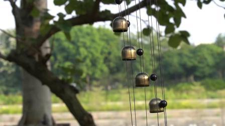 Venda por grosso de borboletas nova piscina 3D Pimenta de latão sino de vento com bolas de cristal