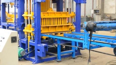 Entièrement automatique machine à fabriquer des blocs de ciment de béton brique creuse utilisé machinerie de construction à Dubaï