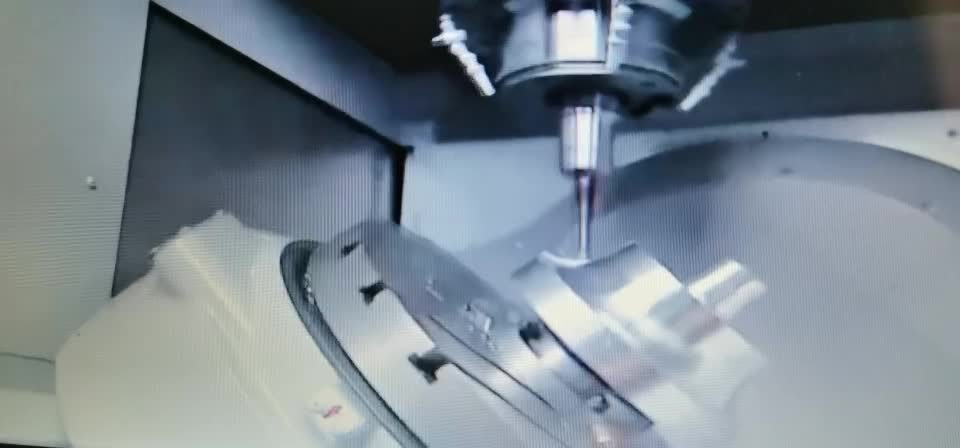 車輪ハブまたは自動車部品または自動金属部分または自動締める物