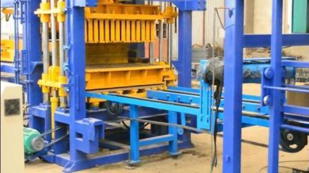 Bloc de machine à fabriquer des blocs de béton Qt5-15 automatique Prix de la machine de moulage au Ghana