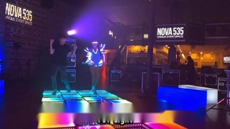 Les plans de l'extérieur LED 3D plancher de danse de miroir de panneau d'affichage pour la vente