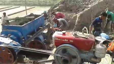 Автоматическая красный почвы грязи глиняные пресс для производства кирпича в продажу