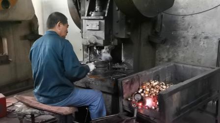 Parti di raccordi forgiati in ottone di precisione in rame di fabbrica OEM
