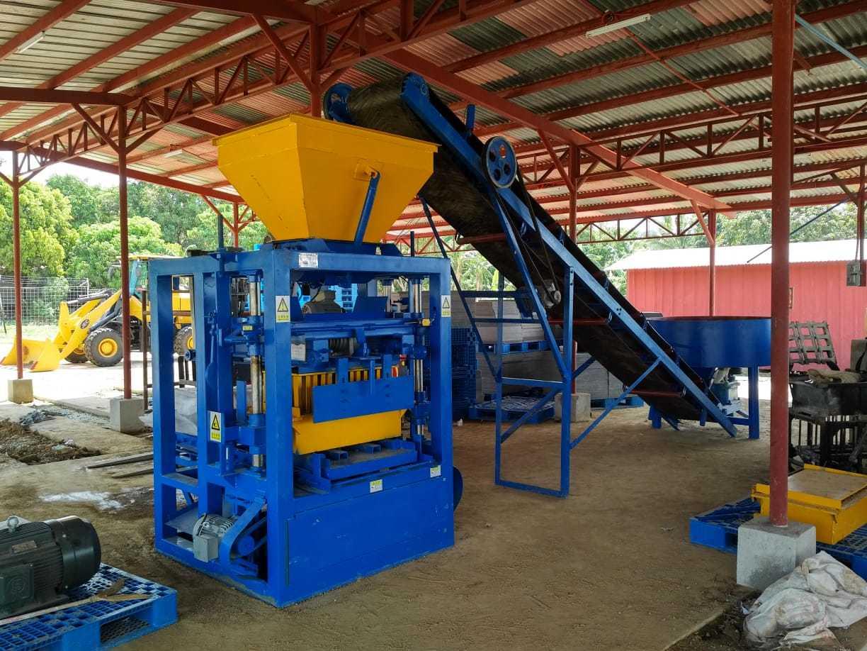 Ciment semi-automatique utilisé béton machine à fabriquer des blocs solide Qt4-24 Hollow machine à fabriquer des briques à vendre aux Etats-Unis
