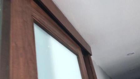Springhill Suites Hotel слайд-ванная комната с неясным стекла двери